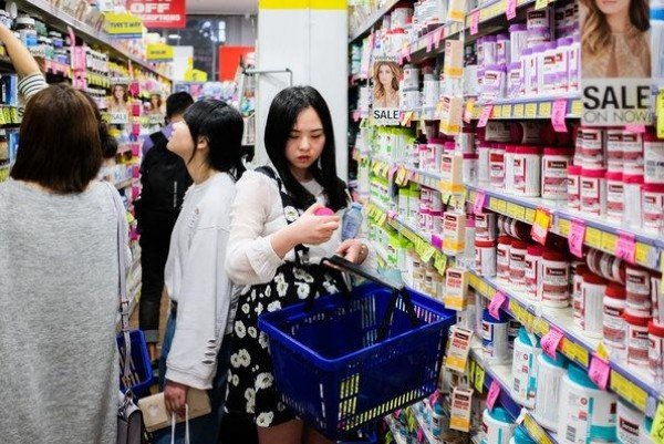 China will this year surpass the US in total retail sales for the first time